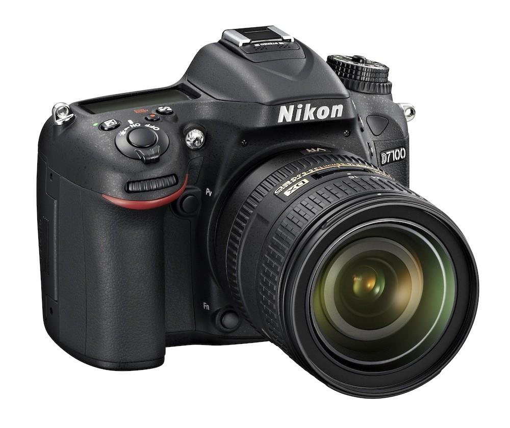Fotocamera Digitale Reflex Nikon D7100 Kit + 16-85mm Nikon VR