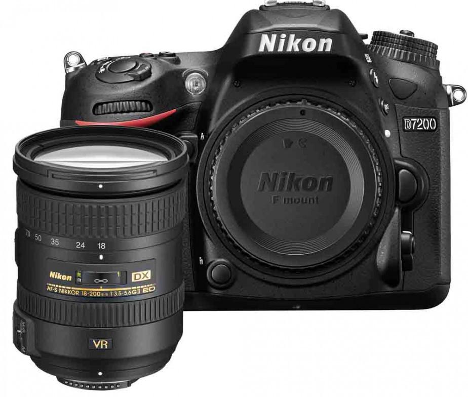 Fotocamera Digitale Reflex Nikon D7200 Kit + 18-200mm Nikon VR II