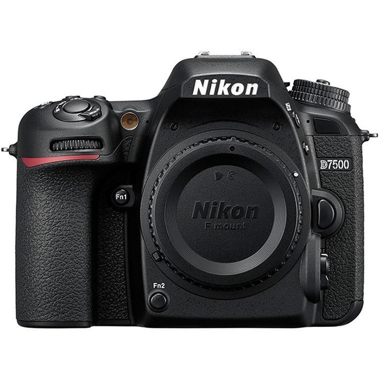 Fotocamera Digitale Reflex Nikon D7500 Kit + 18-55mm Nikon VR