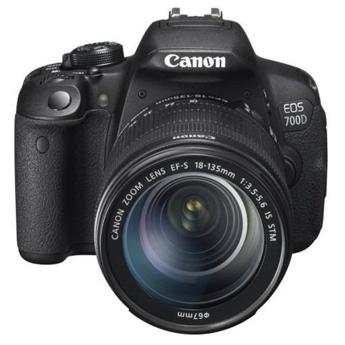 Canon 700D Kit + 18-135mm IS STM