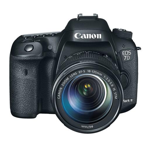 Fotocamera Digitale Reflex Canon EOS 7D Mark II Kit + 18-135mm IS STM