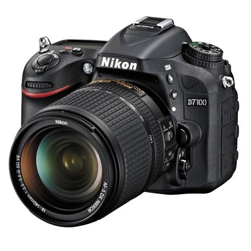 Fotocamera Digitale Reflex Nikon D7100 Kit + 18-140mm Nikon VR