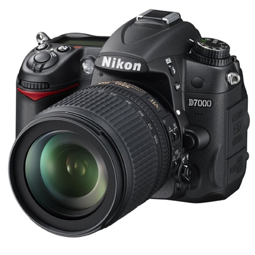 Fotocamera Digitale Reflex Nikon D7000 Kit + 18-105mm Nikon VR