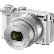 Nikon 1 J5 Kit 10-30mm White