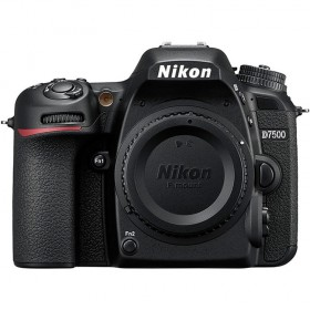 Fotocamera Digitale Reflex Nikon D7500 Kit + 18-55mm Nikon VR